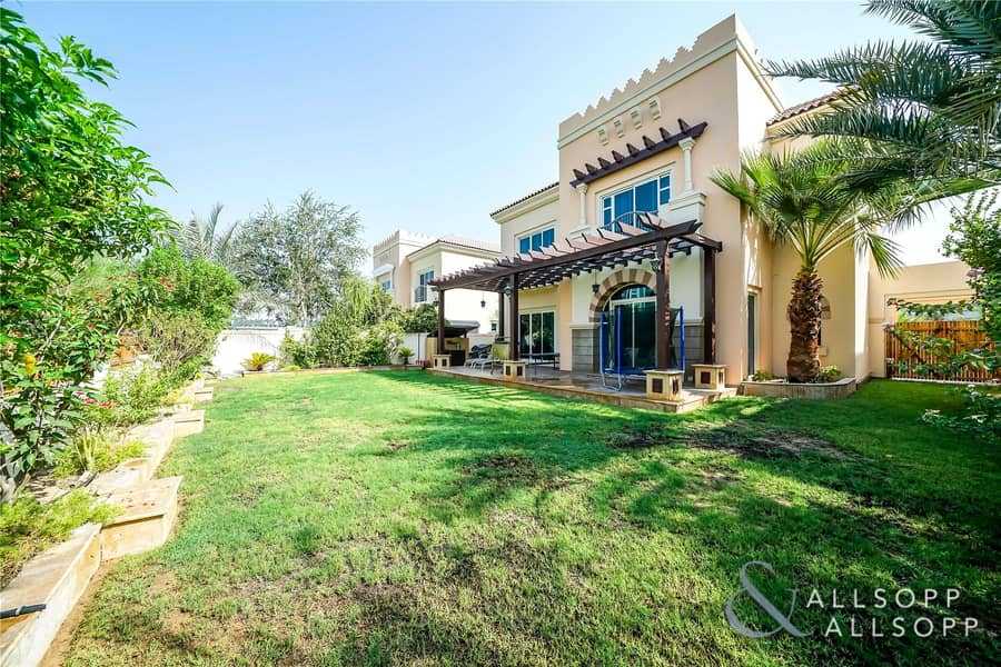 5Bed C1 | Golf Course View | Upgraded Kitchen