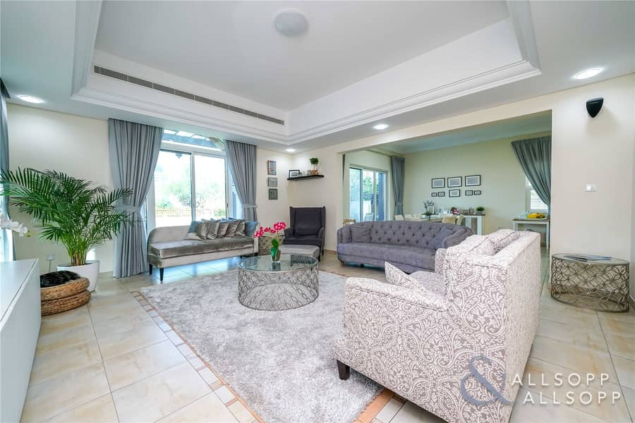 2 5Bed C1 | Golf Course View | Upgraded Kitchen