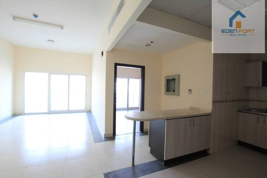 2 Spacious   Well Maintained   1 Bedroom