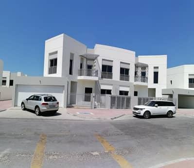 5 Bedroom Villa for Rent in Umm Suqeim, Dubai - BRAND NEW VILLA | 5 B/R + Maid Room | Swimming Pool + GYM + Tennis Court + Squash Court