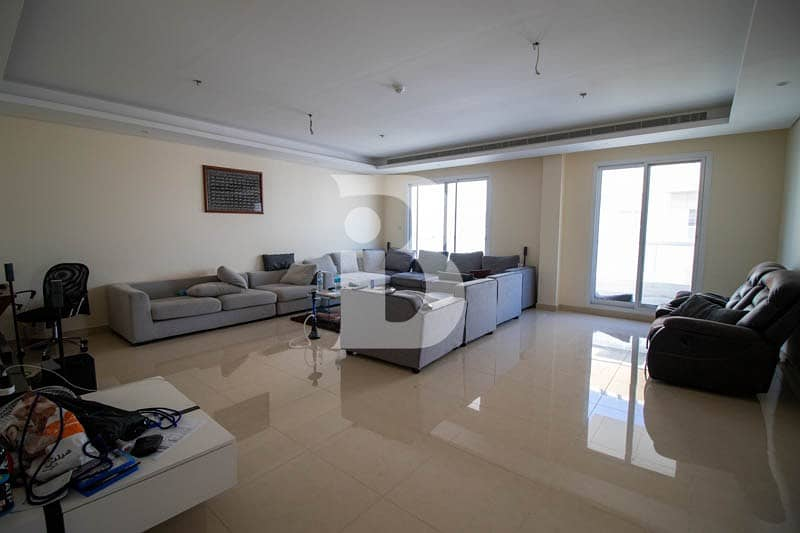 Hugh  3 Bedroom Apartment with Amazing Views and High Floor