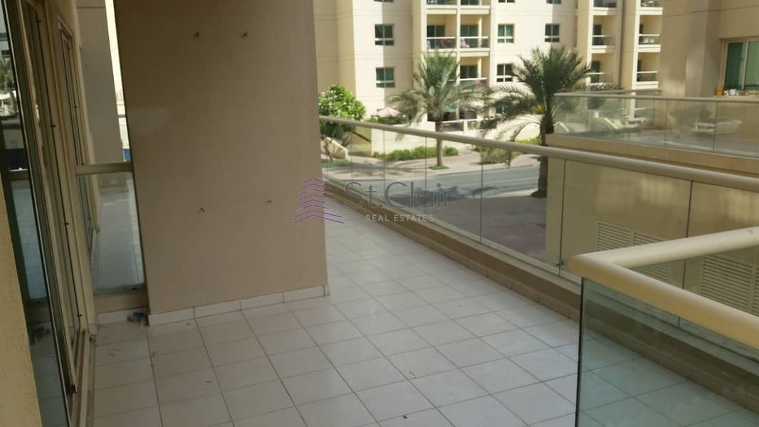 2bedroom/corner unit/ Huge Layout/ THe Greens