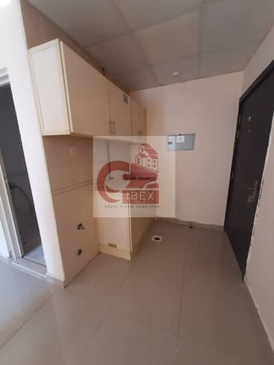 Lavish Studio flat just 12k on the road Near tk the signal