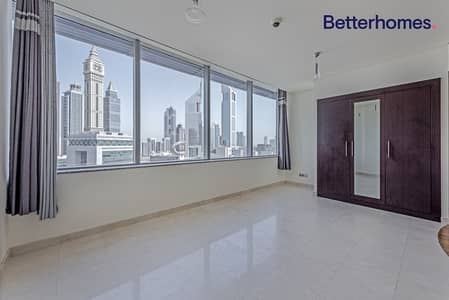 Ready to Move in| Middle Floor | Without Balcony