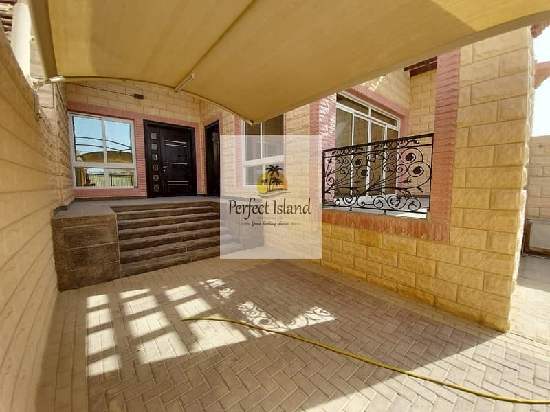2 Amazing Villa | Majls with terrace |Covered Garage