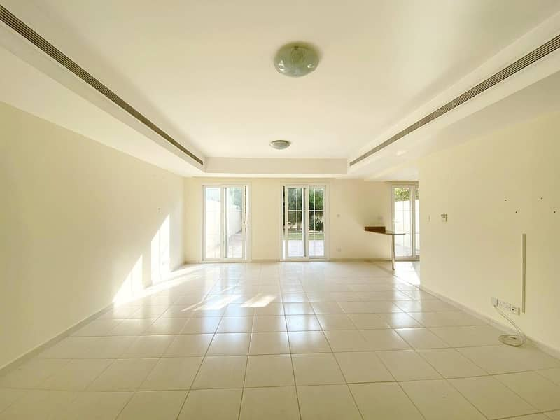 Very Well Maintained - Landscaped Garden - 3M Type