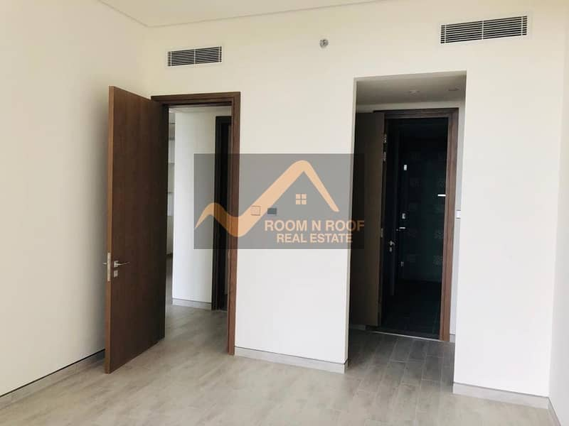 2 2 BHK WITH MAIDROOM IN LUXURY BUILDING