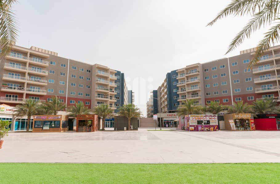 2 Superb Retail View Apartment with Balcony!