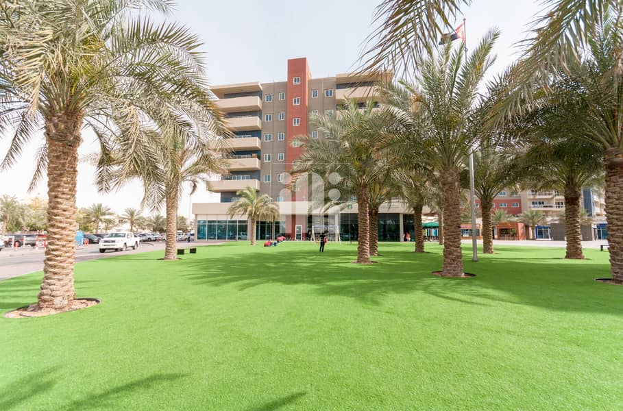 2 Great Deal! Large Layout 3+M Apt  Big layout