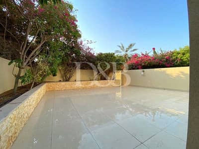 2 Bedroom Villa for Sale in The Springs, Dubai - Upgraded | Park View | Backing Pool | Vacant