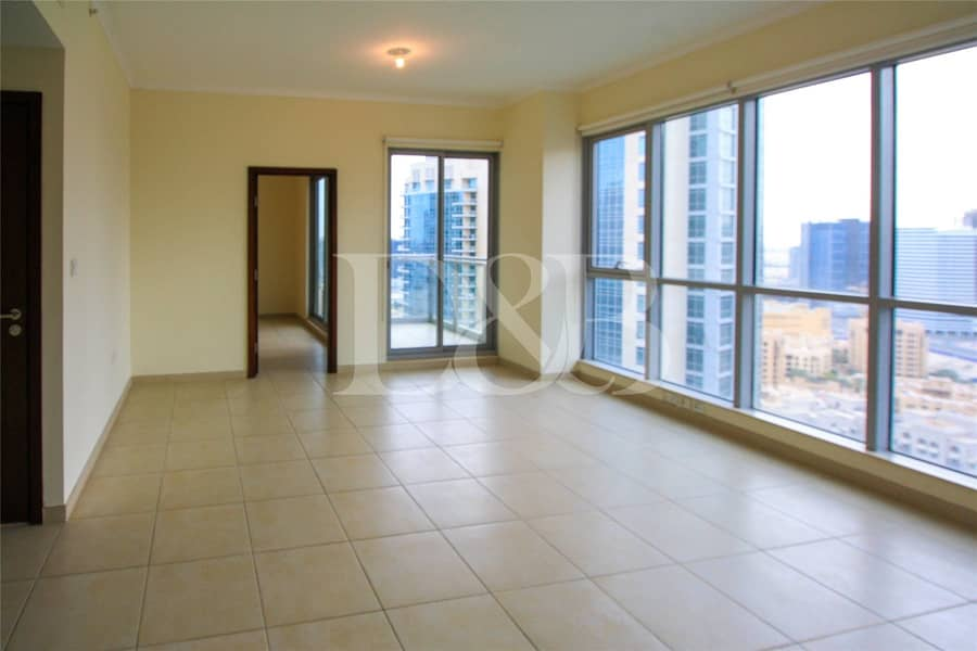2 High Floor | Spacious and Bright | Rented