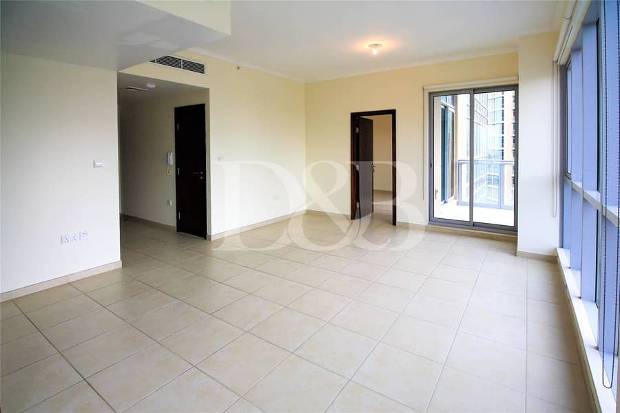 10 High Floor | Spacious and Bright | Rented