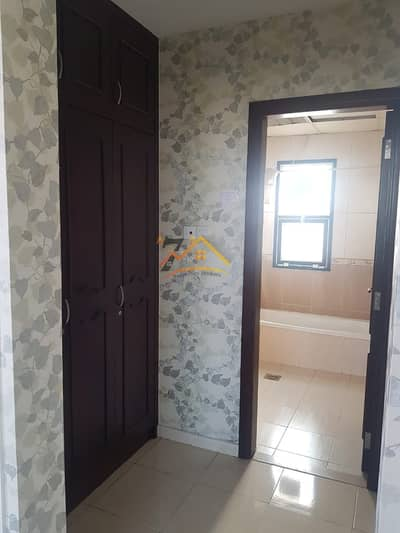 4 Bedroom Villa for Rent in Al Barsha, Dubai - Al Barsha south 2 @ 4 bed room with 4 wash room ( Portion ) of villa Available only 85000