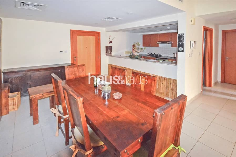 2 Large 1 Bedroom   Immaculate Condition   Pool View