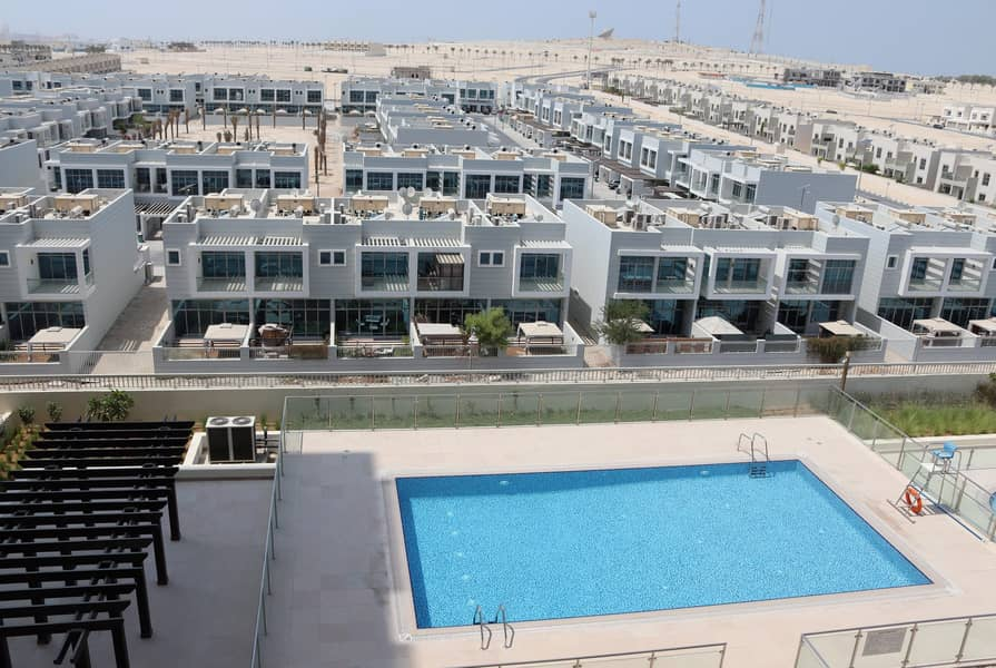 15 Brand new Fully Furnished 1 BR including all Fee's.