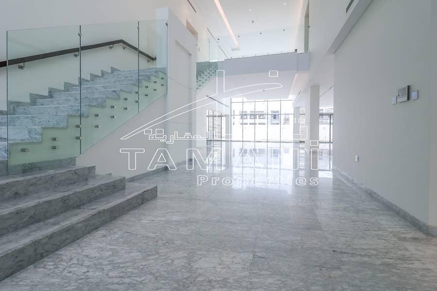 Furnished 6 BR Contemporary Villa   Prime Location