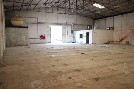 مستودع  للايجار في الخبيصي، دبي - Vacant | Good Size | Prime Location | For Storage