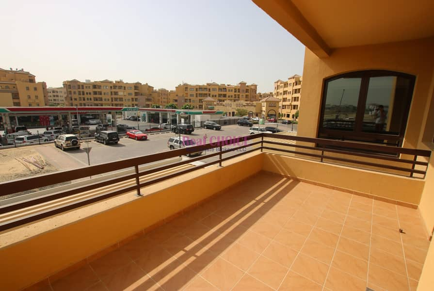 10 2br apartment in developed community|12chqs|no commissions