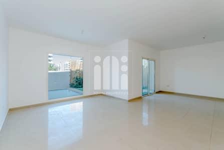 فیلا 5 غرف نوم للبيع في الريف، أبوظبي - 5 BD + Maid l Private Garden & Swimming Pool !