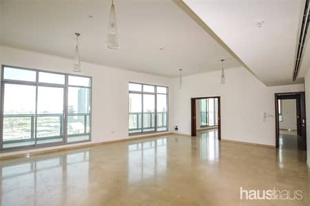 3 Bedroom Penthouse for Rent in Downtown Dubai, Dubai - Huge Penthouse l Great Price l Superior Views