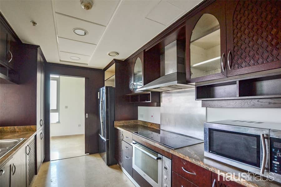 10 Huge Penthouse l Great Price l Superior Views