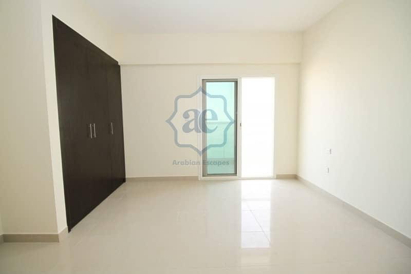 2 2 bedroom/ high floor/ community view / pets friendly