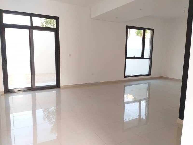 Ready to Move Corner 3bhk villa for family rent 80k in 4cheque