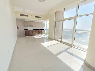 2 Bedroom Flat for Rent in Jumeirah Village Circle (JVC), Dubai - Lavish Well-lighted 2 BR Apt. with Maid | High Floor  | Reef Residence