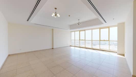 فلیٹ 3 غرف نوم للايجار في الخليج التجاري، دبي - Maid's room | Free maintenance | Visit with your phone