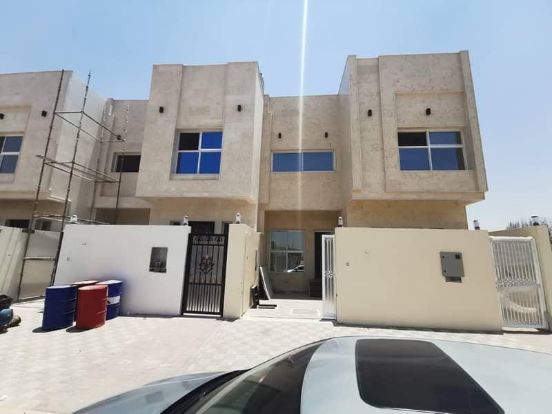 فیلا في الياسمين 5 غرف 65000 درهم - 4786436