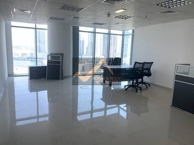 مکتب  للايجار في الخليج التجاري، دبي - Semi Furnished Office| The Metropolis Tower| Lake View| Business Bay