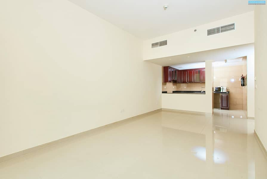 2 Large Two Bedroom - Fantastic Views - Well Maintained