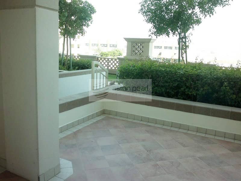Spacious Studio with Big Terrace | | Chiller Free