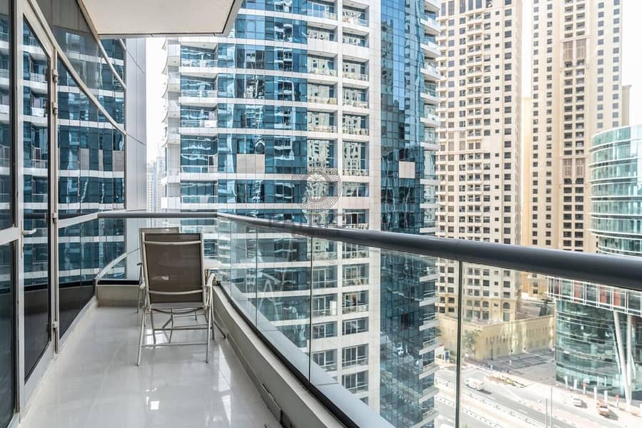 Large and Spacious 1 Bedroom apartment in the heart of Dubai Marina