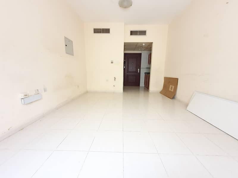 شقة في تجارية مويلح 12000 درهم - 4754284