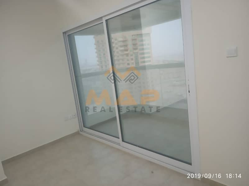2 2bhk on middle floor with balcony close to metro