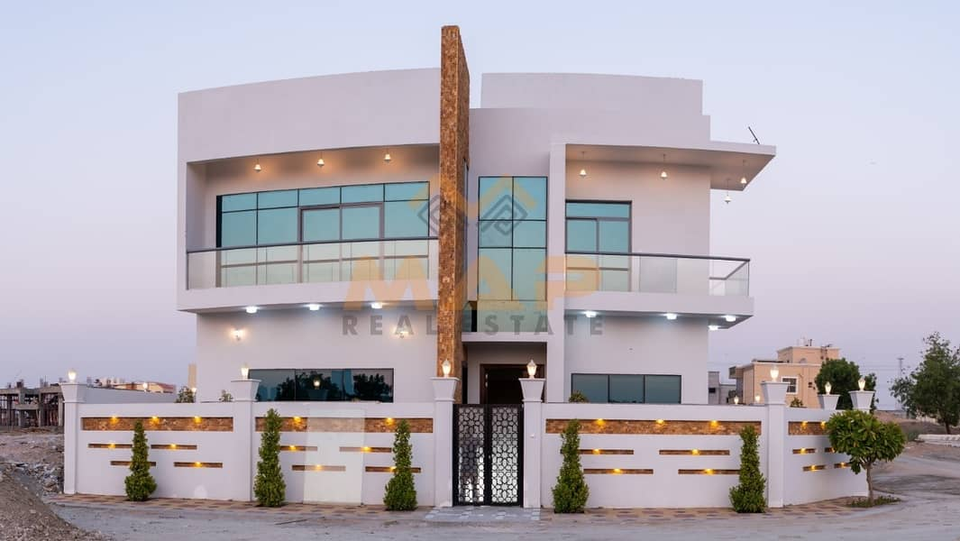 1 Corner independent luxury 5bhk Villa + Majlis and hall+maids room with toilet and bath