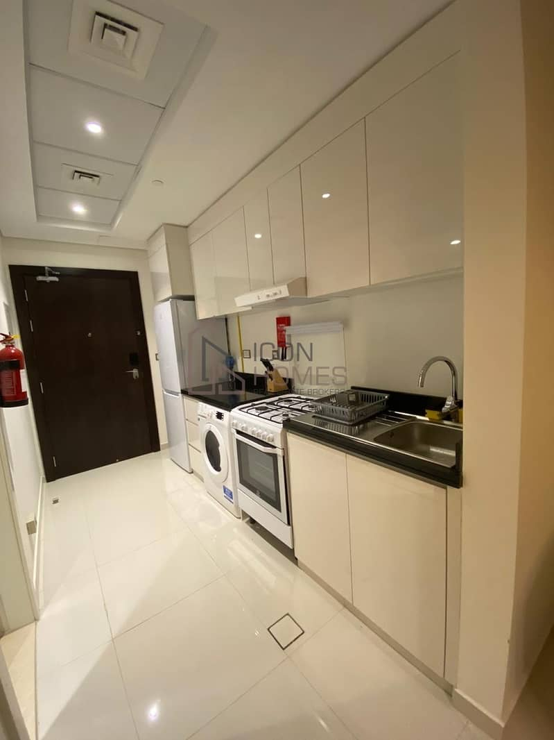 2 Best Deal| Fully Furnished @pay in 12 cheqs| Bigger Apartment