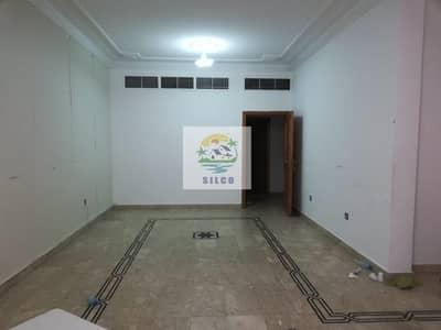 5 Bedroom Villa for Rent in Al Khalidiyah, Abu Dhabi - Central A/C villa with tawtheeq contract