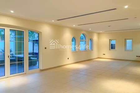 3 Bedroom Villa for Sale in Jumeirah Park, Dubai - Flawless condition | Vacant Possession | Large Legacy