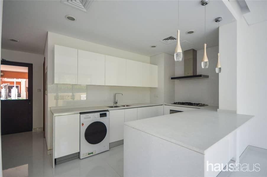 2 5 Bed Corner Unit | Modern | Rooftop Terrace