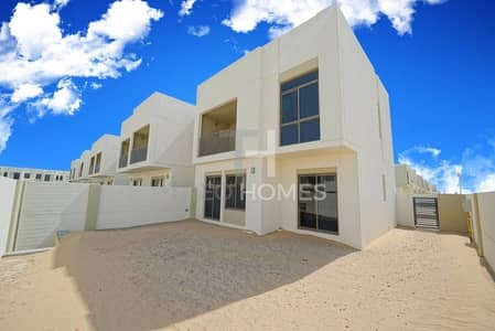 4 Bedroom Townhouse for Sale in Town Square, Dubai - Brand new back to back Type 4 townhouse
