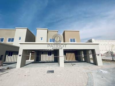 3 Bedroom Villa for Sale in Dubailand, Dubai - Motivated Seller_Ready 3Br tonwhouse_Handover in January 2021