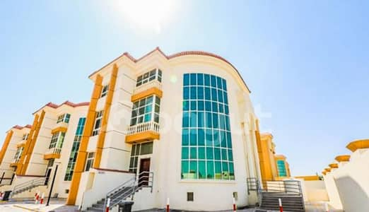 8 Bedroom Villa for Rent in Khalifa City A, Abu Dhabi - ????HOT DEAL!!! Amazing Commercial villa at main street