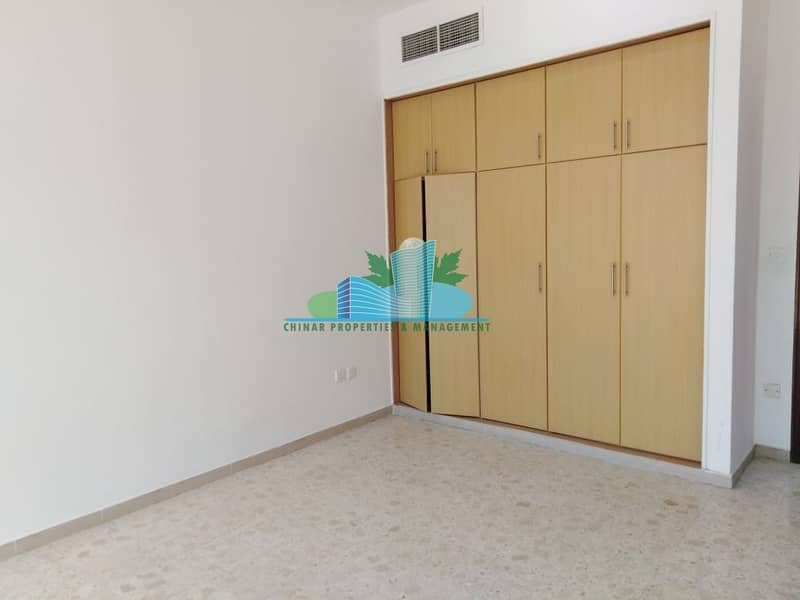 2 Lovely 2 Bedroom ApartmenT.Waiting for you to make it Home!