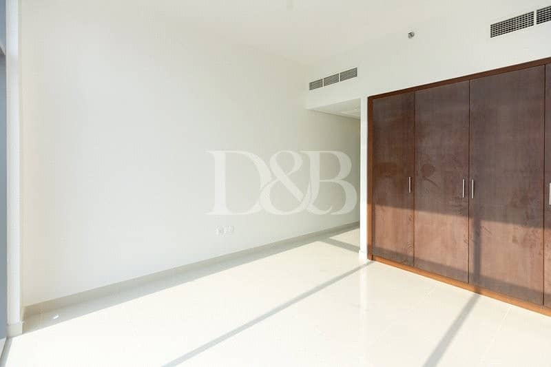 10 Sea View | Ready To Move | Chiller Free