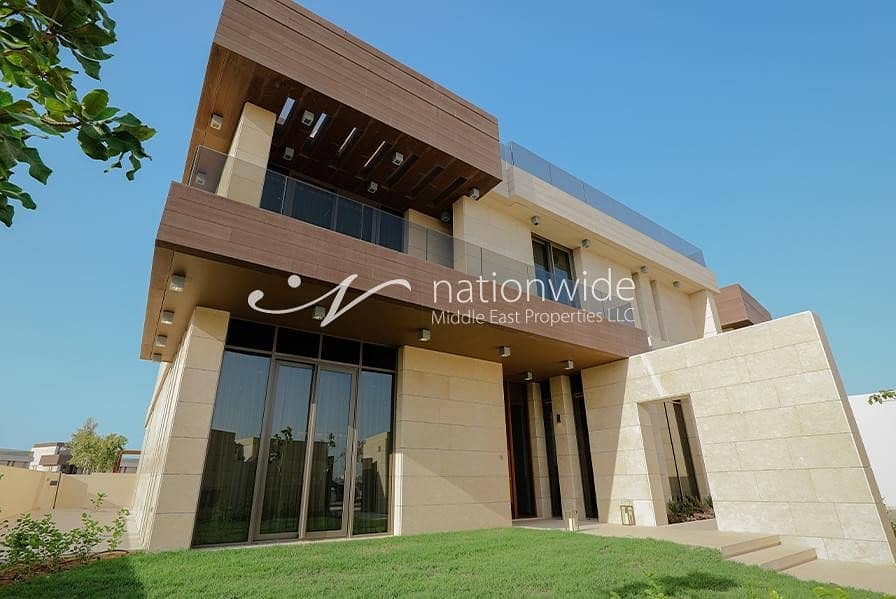 A Modern and Ideal Family Home w/ Private Pool