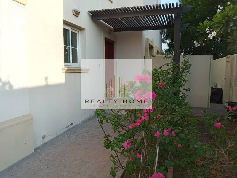 SPRINGS TYPE 4 E 2 BED ROOM + STUDY WELL MAINTAINED  VILLA ( VACANT )