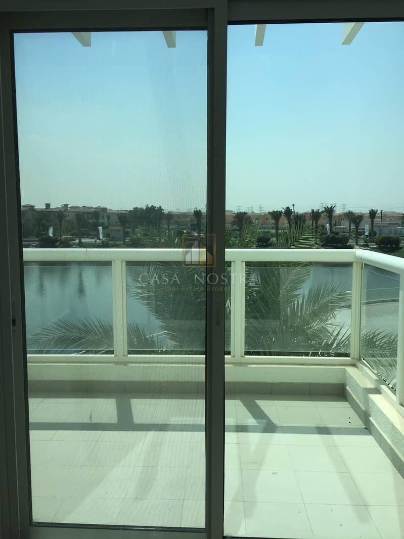 14 Corner Duplex Open Plan with Panoramic Lake Views