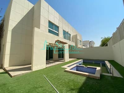 5 Bedroom Villa for Rent in Jumeirah, Dubai - Modern | Well lit 5 bed | Private pool |Garden